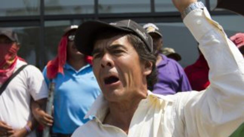 Maestros mexicanos celebran su día movilizándose en las calles.