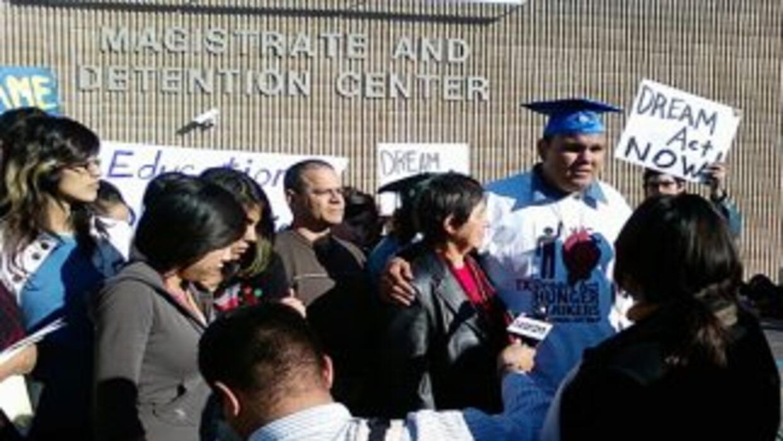 Dieciséis estudiantes de la Universidad de Texas en San Antonio y activi...