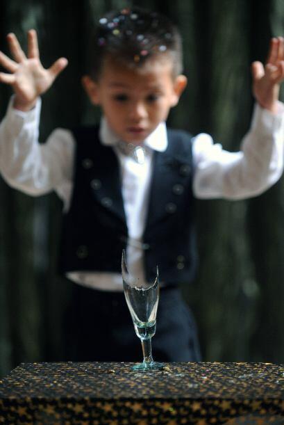 """""""Yo empecé con la magia a los cinco años, y mi hijo, el mago Jonhatan, t..."""