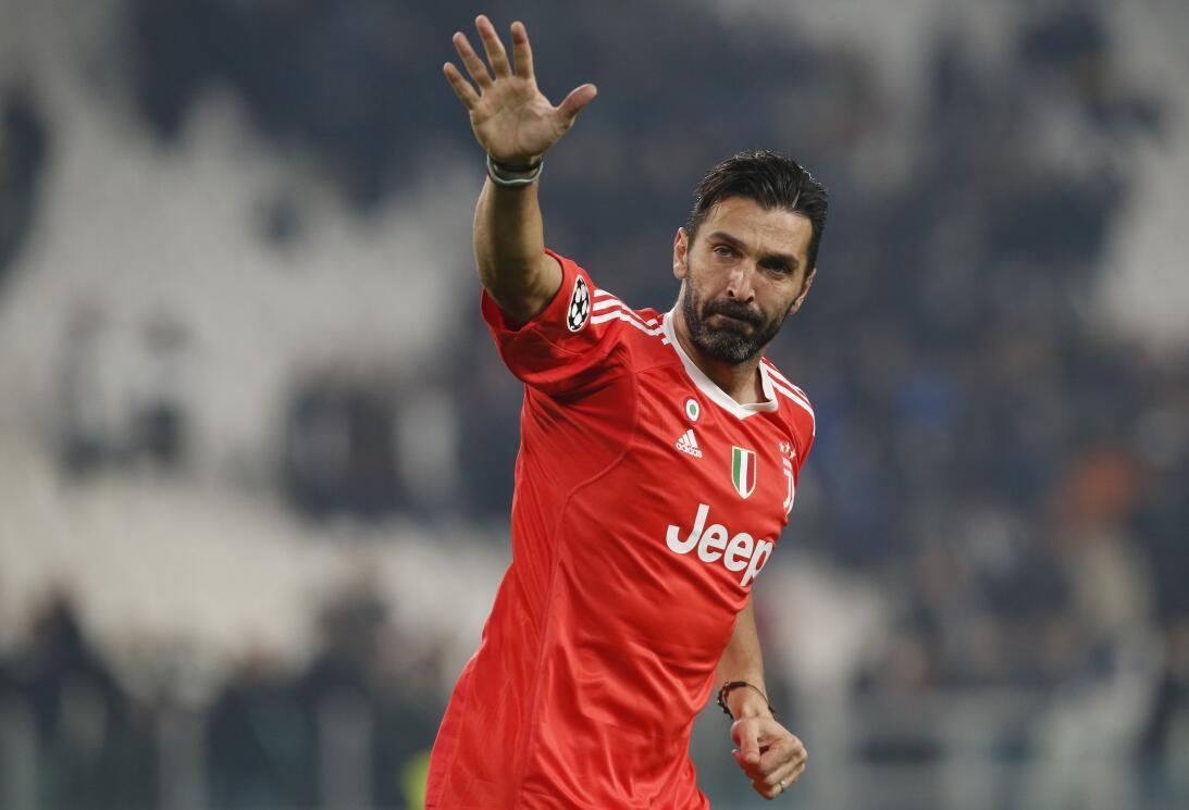 1. Gianluigi Buffon (Juventus) - Italia