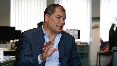 """Rafael Correa llama """"aberración jurídica"""" a la orden de prisión preventiva en su contra de la Fiscalía de Ecuador"""