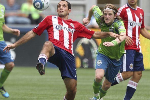 El uruguayo Alvaro Fernández falló un penal y sus Sounders de Seattle em...