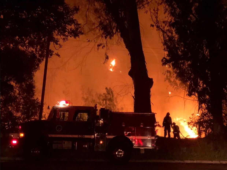 Univision 34 Los Angeles Inicio goleta-fires-reuters-3.JPG
