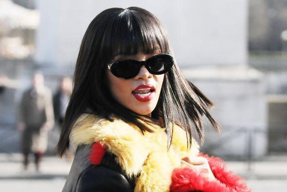 2) Rihanna.