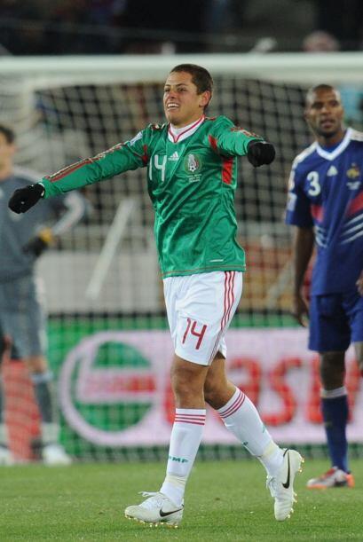 Con 22 años, Javier Hernández vivía un momento histórico en tierras afri...