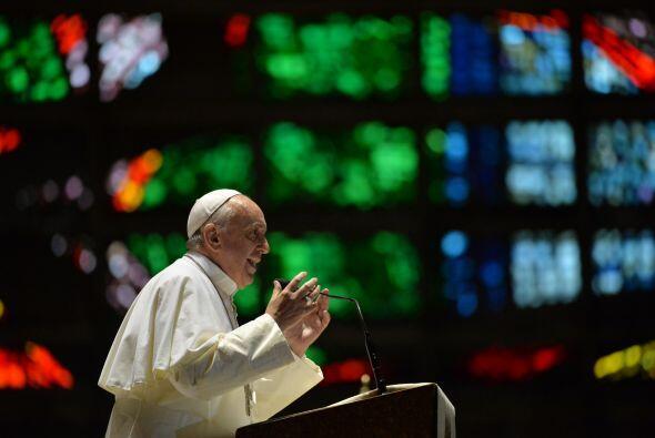 2013- 21 de agosto   Ese mes, declaró sobre la homosexualidad en una ent...