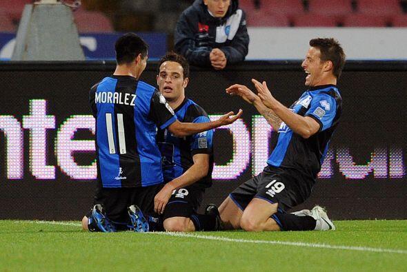 Un gol de Giacomo Bonaventura sorprendió a los locales al adelantar al A...