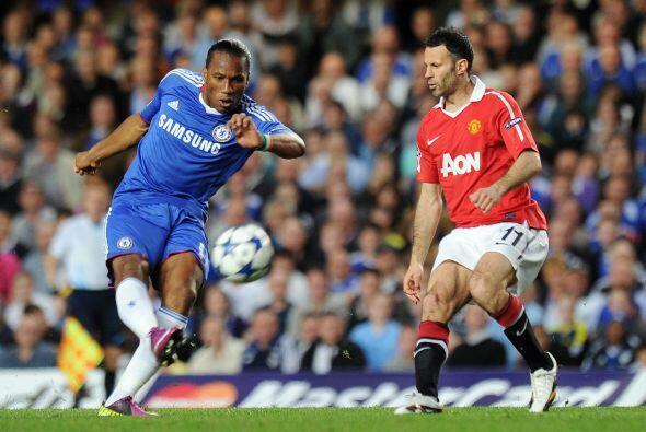Stamford Bridge presenció un duelo ríspido, en el que se peleó cada balón.