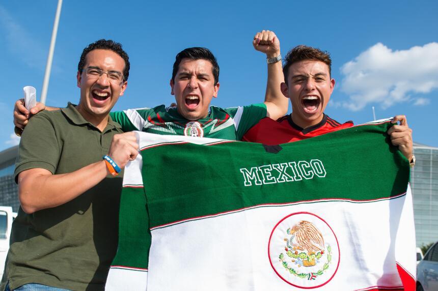 Aficionados argentinos y mexicanos se dieron cita en Dallas para el enfr...