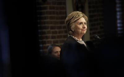 """Clinton promete no ser tan """"cuidadosa"""" como en el pasado y con..."""