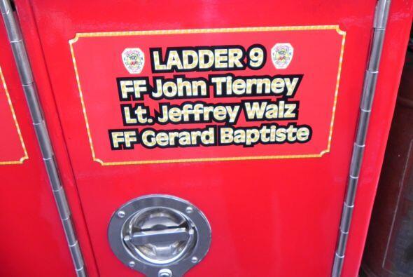 Carro bombero recuerda a sus caídos el 9/11 539ed52355b44f388b0338d2df24...
