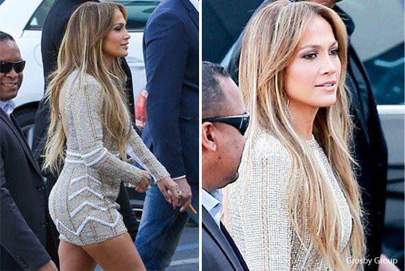 Hace unos meses el vestido de Jennifer Lopez era tan chiquito que por po...
