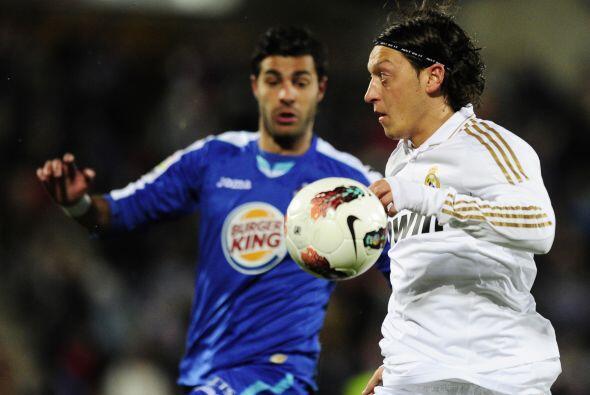 Mientras que el alemán Mesut Ozil manejó los hilos 'mereng...