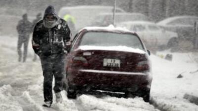 Intensas lluvias y nevadas azotan a varios países de Medio Oriente, deja...
