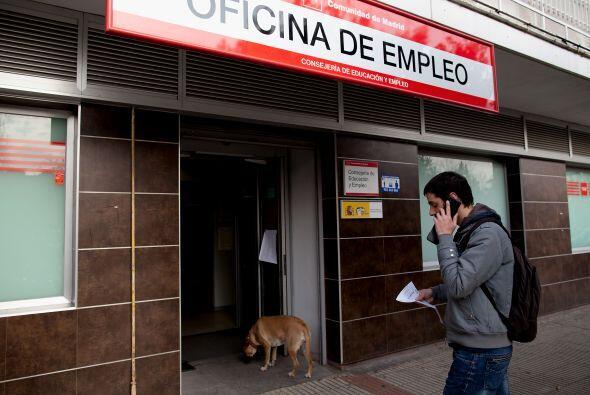 Como reacción en cadena comenzó a aumentar la tasa de desocupación entre...
