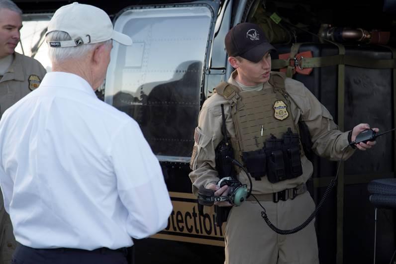 En fotos: El fiscal general Jeff Sessions en su recorrido por la fronter...