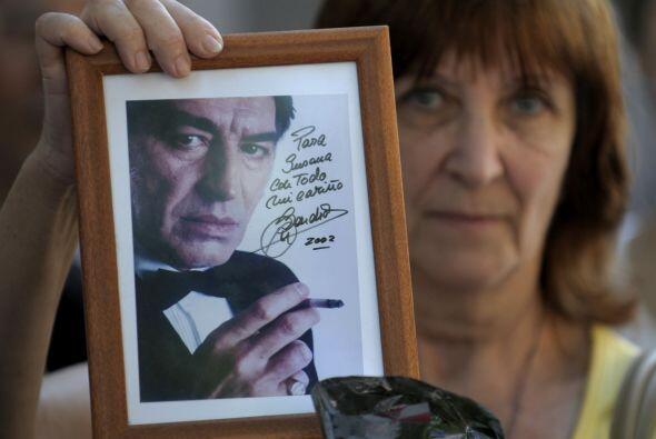 El 2010 comenzó con el adiós final del cantante argentino Roberto Sánche...