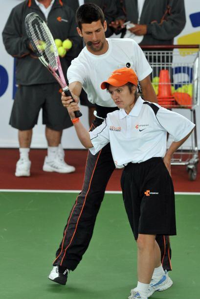 ¿Qué tal las clases? No hay mejor maestro que Novak Djokovic...