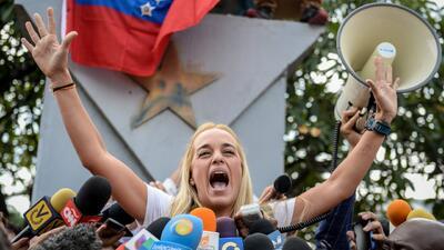 Lilian Tintori lee carta escrita por Leopoldo López luego de la sentenci...