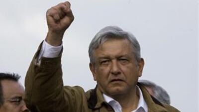 El ex candidato a la presidencia de México, Andrés Manuel López Obrador,...