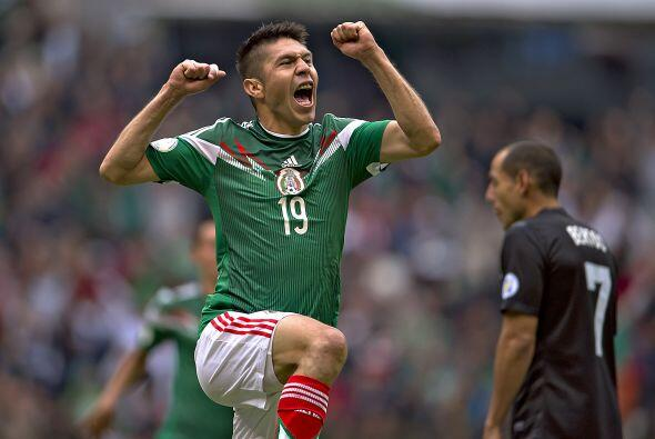 La selección mexicana y Oribe Peralta tienen mucho que festejar pues el...