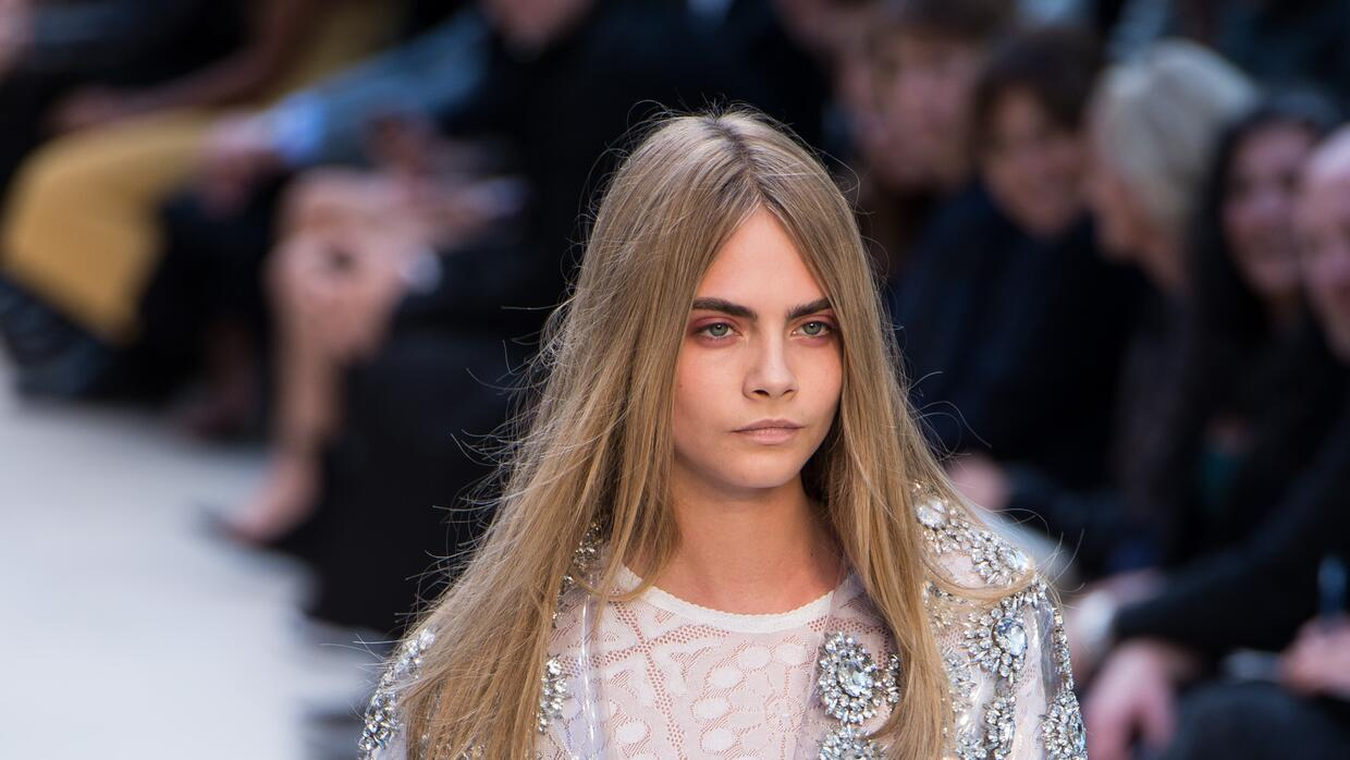 Burberry Prorsum - Runway: London Fashion Week SS14 Cara Delevingne