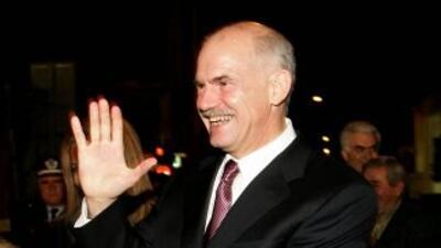 Papandreu mantuvo buenas relaciones transatlánticas y durante la crisis...