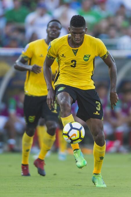 10. Damion Lowe (Jamaica): 261.000 dólares