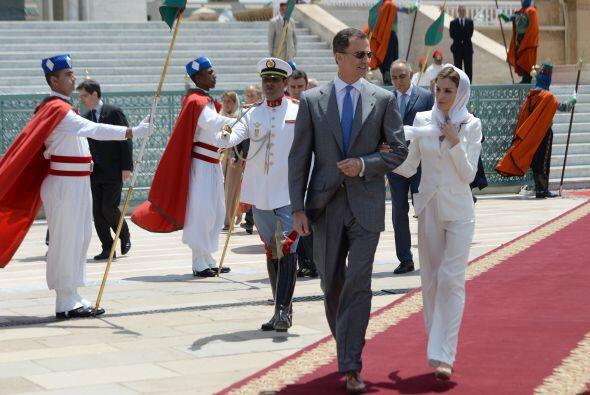 Pero más allá de las reuniones institucionales, los Reyes de España, apr...