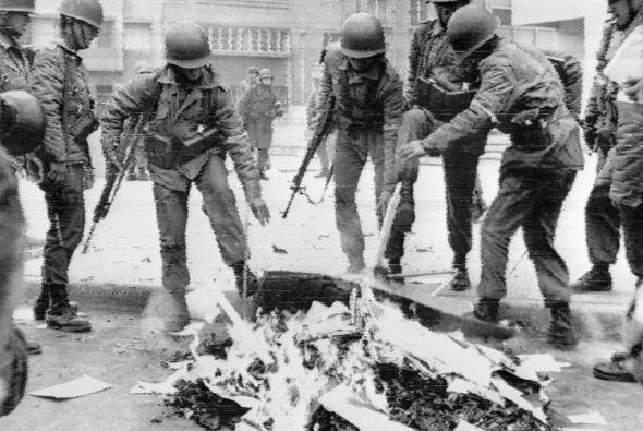 Ese 11 de septiembre, Allende murió pero también pasó a la posteridad co...