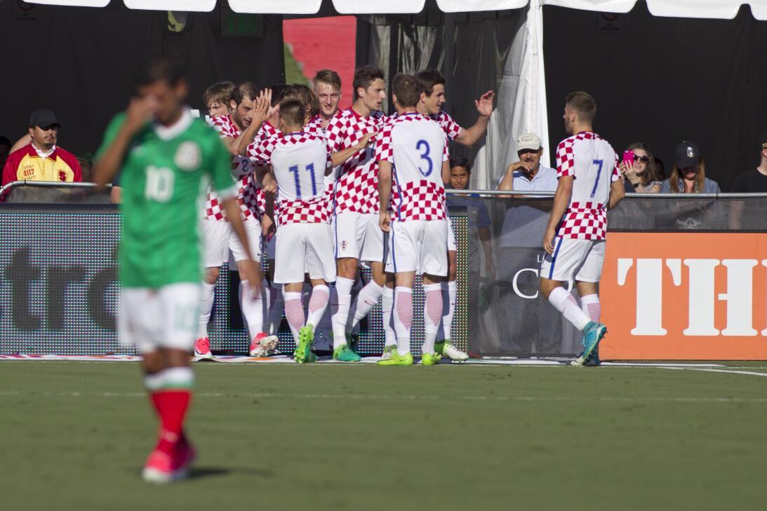 Noche histórica de 'Chicharito' no evitó la derrota de México Gol Igor T...