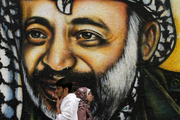 La tumba de Yaser Arafat fue abierta el martes durante algunas horas par...
