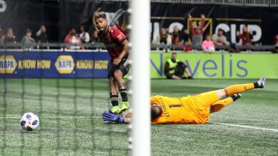 ¡Josef Martínez se avivó y marcó el primer gol de la noche!