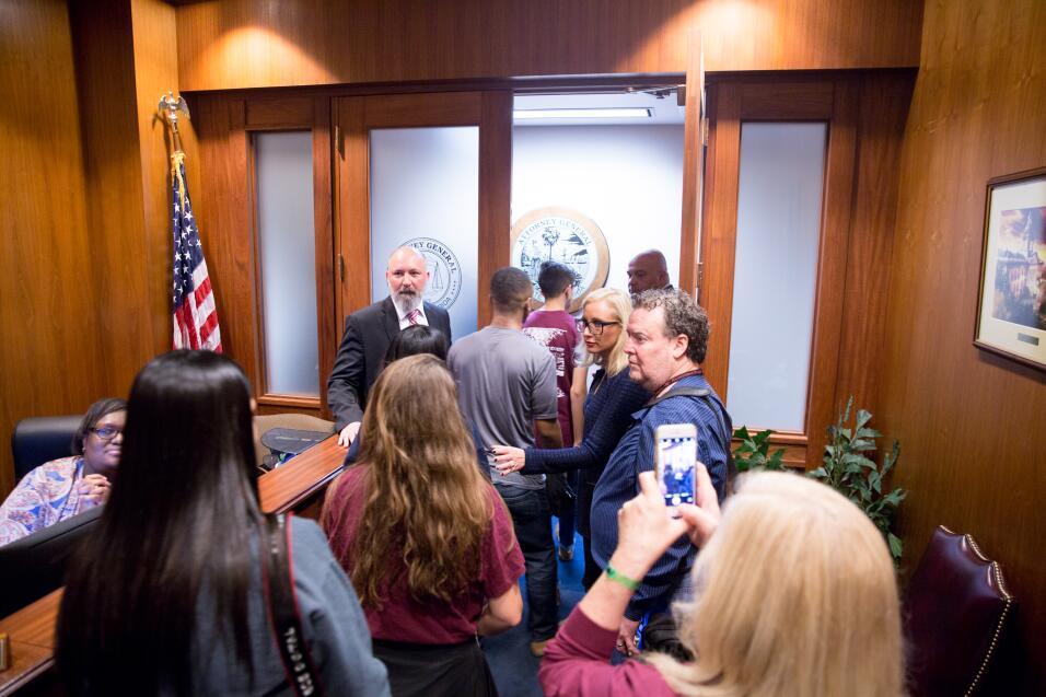 Estudiantes Visitan a Congresistas