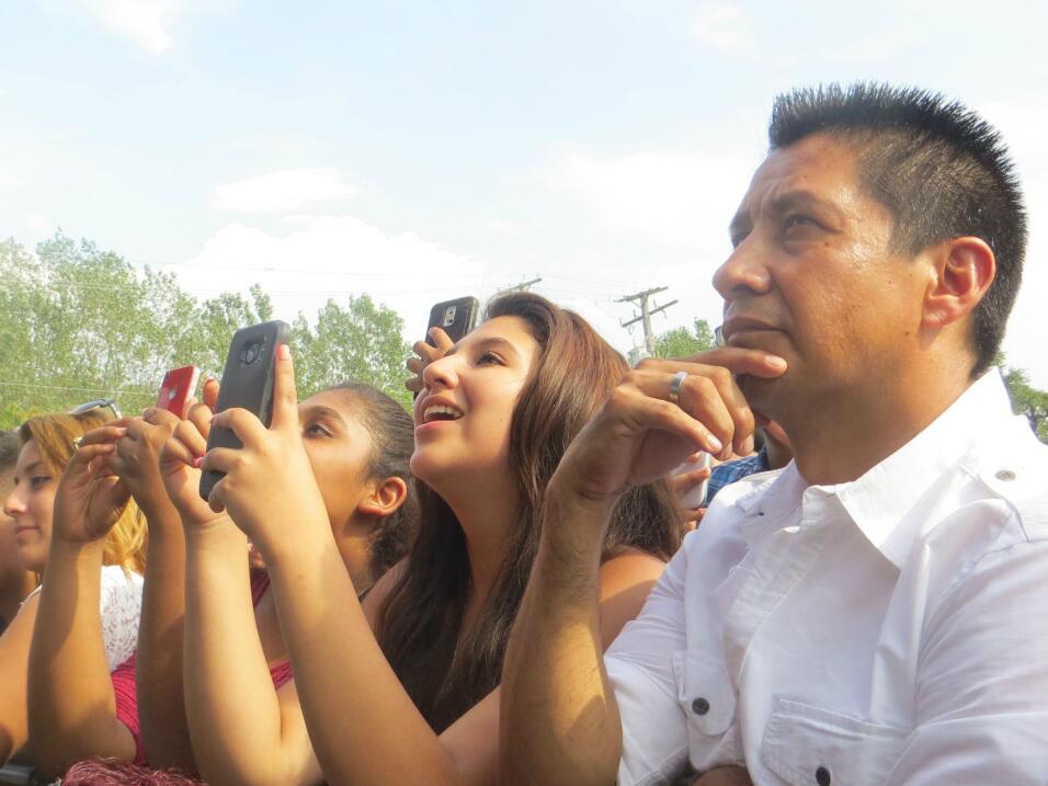 El guapísimo de Roberto Tapia levantó suspiros en Fiestas Patrias 2015 y...