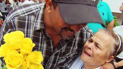 Lágrimas y abrazos llenos de amor en este emotivo reencuentro de familias inmigrantes en California