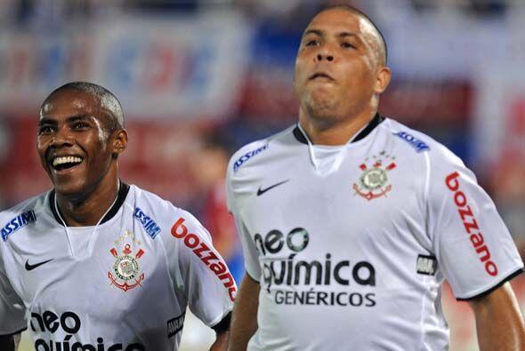 Con el triunfo Corinthians lidera el Grupo 1 con 7 puntos seguido del Ra...