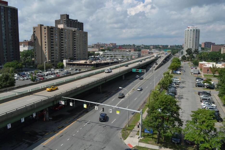 La Interestatal 81 en Syracuse, Nueva York, cortó el centro de la ciudad...