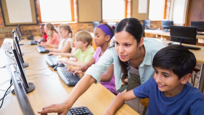 Padres y profesores buscan recursos para mejorar escuelas hispanas en LA...