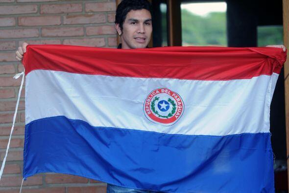 El futbolista paraguayo se debatió entre la vida y la muerte, ya que la...