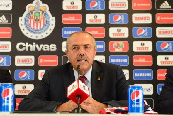 El último directivo en abandonar a las Chivas fue Juan Manuel Her...