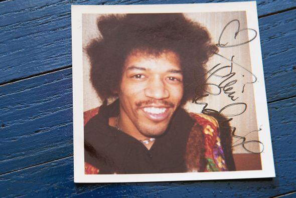 Jimi Hendrix El legendario guitarrista fue arrestado en 1969 cuando se l...