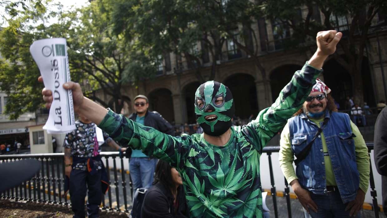 Mexicanos festejan fallo de la Corte