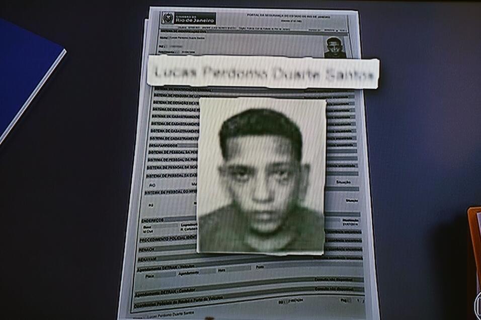 Imagen de TV de uno de los sospechosos de la presunta violación a...