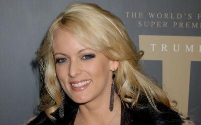 La actriz de cine porno, Stormy Daniels, en la fiesta de presentaci&oacu...