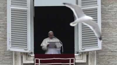 El papa Francisco en su rezo de este domingo.