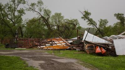 Fuertes tormentas desde Texas hasta Missouri causan desastres