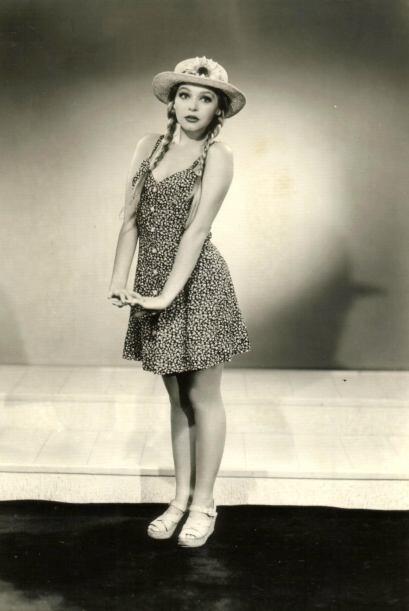 """Realizó sus primeras actuaciones en la serie """"La Telaraña""""."""