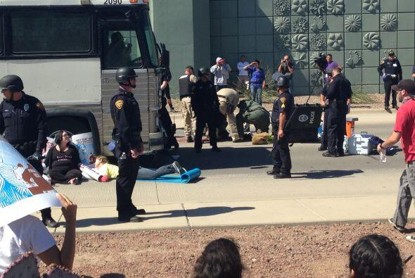 Como resultado, arrestaron a 19 personas que enfrentan cargos de obstruc...
