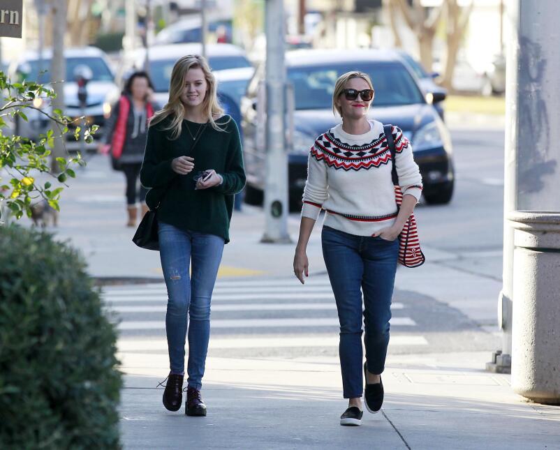 Reese y su hija, se ven freaky una junto a la otra PR_RWAHID151214_21.jpg